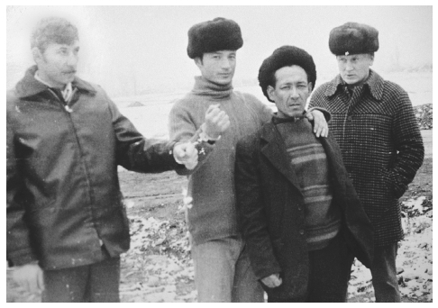 Arrest of notorious serial killer Nikolai Dzhurmongaliev in Russia in 1992 (shown handcuffed, center). Dental evidence helped link Dzhurmongaliev to over 100 murders, in part due to his false metal teeth. PATRICK ROBERT/SYGMA/CORBIS