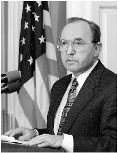 Richard Goldstone, chief United Nations prosecutor, addresses the audience regarding Bosnian Serbs mass murder trial. [AP/WIDE WORLD PHOTOS]