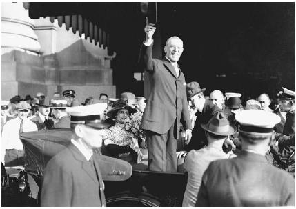President Woodrow Wilson on his League of Nations tour in St. Louis, Missouri, in September 1919. Wilson worked hard to convince Congress of the merits of his League of Nations plan, but failed. Bettmann/Corbis.
